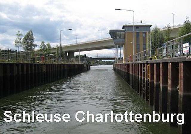 1_Berlin,_Schleuse_Charlottenburg_neu